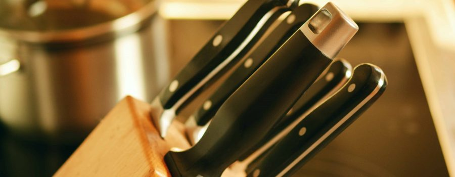 cooking steak knives in a knife block