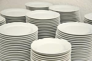 horizontally stacked plates